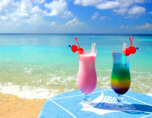 Cocktail-at-Beach