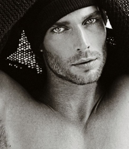 Have I mentioned, those eyes, that scruff …the beanie?  Yeah? Well, some things need to be repeated.