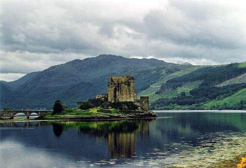 Eilean Donan Castle - Scottish Highlands